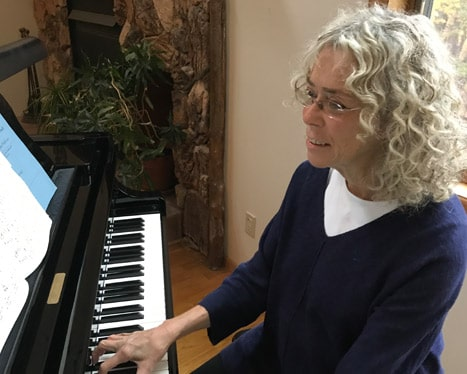 barbaralinnprobst playing piano
